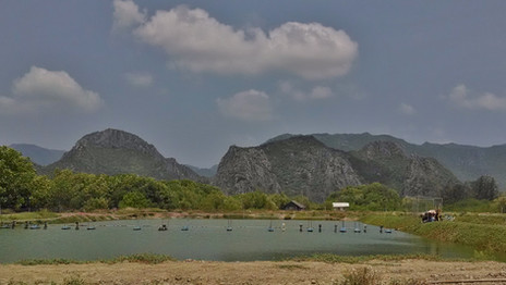 View from Wat HUP Ta Khrot วัดหุบตาโคตร
