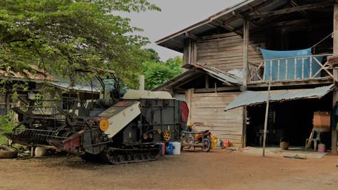 Rice Harvester Thailand Lifestyle.JPG