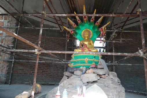 Buddha at Wat Don Chedi
