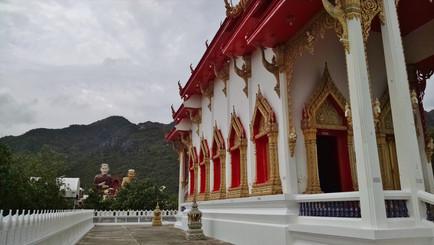 Wat HUP Ta Khrot วัดหุบตาโคตร