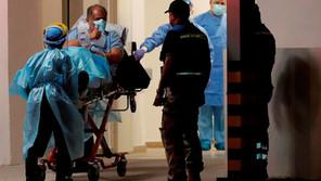 Las muertes semanales por covid caen a su cifra más baja en casi un año