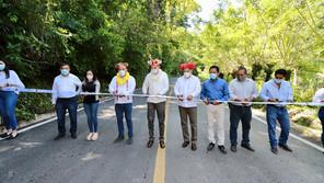 Entrega Rutilio Escandón el camino Ocozocoautla- Apic Pac, con una inversión cercana a los 64 mdp