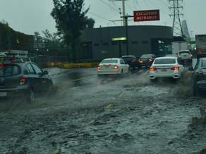 Tormenta deja severas inundaciones en Estado de México