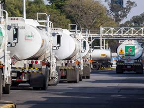 """México dispuesto a venderle gasolina a Venezuela por razones """"humanitarias"""""""