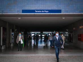 Portugal elimina la mascarilla en la calle pero no en las aulas
