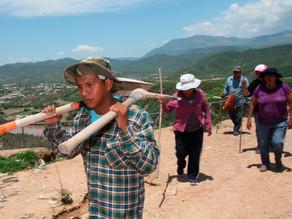 En Guaymas, regalan palas a mujeres para buscar a sus desaparecidos