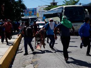 Padres de Ayotzinapa protestan ante Congreso de Guerrero