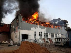 Al menos 72 muertos en disturbios en Sudáfrica