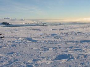 Un fenómeno meteorológico perfora grandes agujeros en el hielo