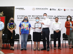 Rutilio Escandón y titular del INEA reconocen a quienes luchan contra el rezago educativo en Chiapas