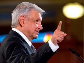 """López Obrador dice que dinero recibido por su hermano son """"aportaciones"""""""