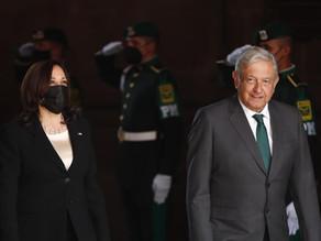 """México y EU inician una """"nueva era"""" con la visita de Kamala Harris"""