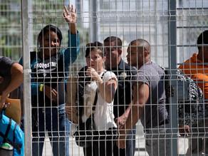 Protestan cubanos varados en frontera México-EUA