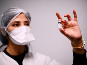 Pfizer dice que su vacuna parece eficaz contra nuevas variantes de Covid-19