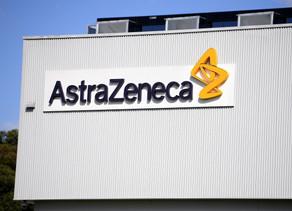 AstraZeneca frena ensayos de vacuna contra COVID-19 por efectos adversos