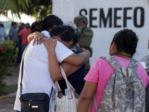 Sicarios asesinan a cinco hombres y los apilan en Michoacán