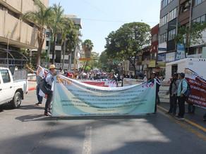 Maestrosdisidentes de la CNTE bloquearon elPalaciode Gobierno