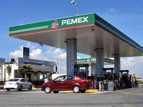Gasolineras han bajado precios de uno a cuatro pesos por litro