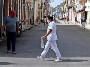 Nueva York festeja, Cuba sufre y la ONU llora 4 millones de muertes por covid
