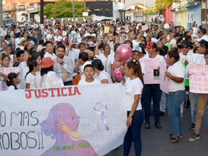 Mujeres marchan contra la violencia de género en Mapastepec