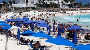 Turismo internacional sube un 105,7 % interanual en agosto