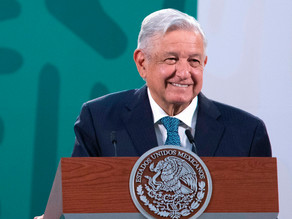 """López Obrador denuncia un """"atentado a la democracia"""" del INE"""