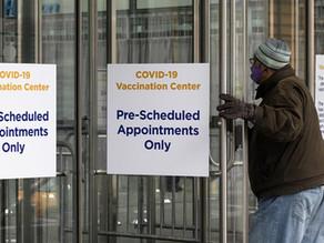 Gobierno de EU no detendrá indocumentados en centros de vacunación