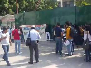Maestros vuelven a protestar ante falta de pago