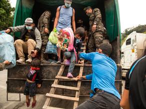 Migrantes hondureños vuelven abatidos a su país, tras un fallido intento por llegar a EU