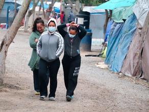 Migrantes varados en la frontera renuevan la esperanza