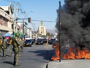 Carabineros reprimen manifestaciones contra Piñera