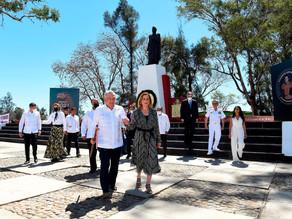 Junto a Luther King III recuerda López Obrador a Vicente Guerrero