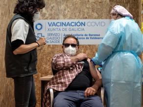 España paraliza la vacunación con AstraZeneca a menores de 60 años