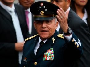 EU niega la libertad bajo fianza a Salvador Cienfuegos por temor a que escape