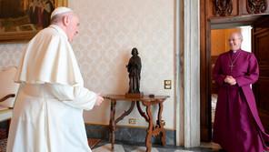 Papa Francisco expresa su dolor por víctimas de abusos en Francia