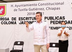 Con entrega de escrituras, en Chiapas se garantiza justicia social y bien común