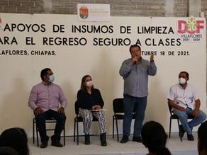 Ayuntamiento y DIF Villaflores entregan Kits de limpieza a 93 centros educativos