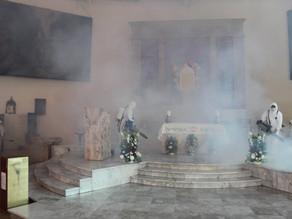 Ayuntamiento de Villaflores fumiga parroquia del Señor de Esquípulas