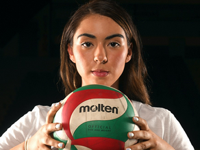 Mexicana Ivonne Martínez destaca en voleibol en Hungría
