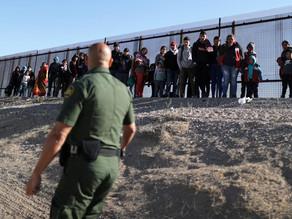 Detenciones de migrantes en frontera caen por séptimo mes