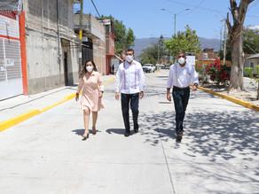 En Tuxtla Gutiérrez, inauguran calle pavimentada con concreto hidráulico