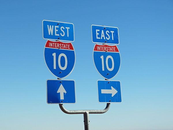 road-signs-936137_1920.jpg