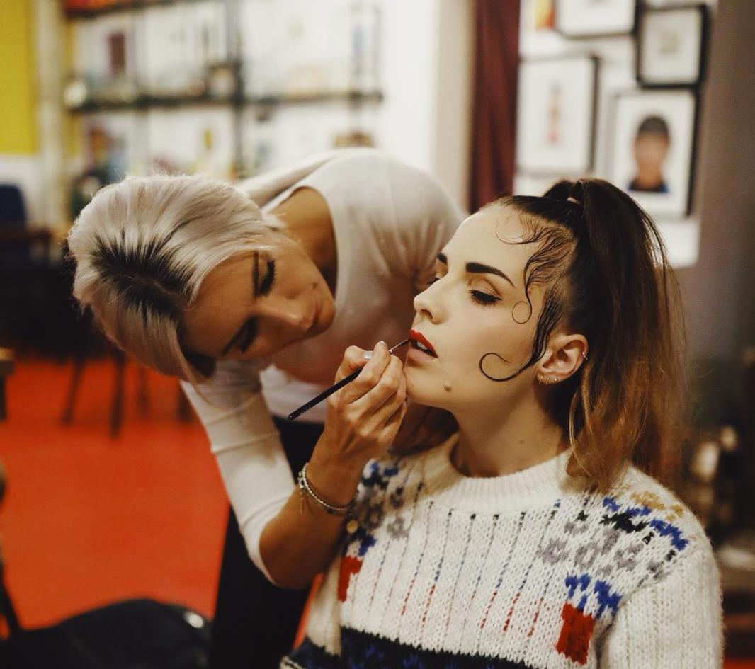 Foto: Cina Uicker H&M: Danijela Imamovic Model: Tina WasenShooting2018 making of