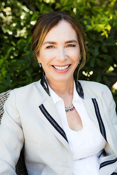 Emma Farr Rawlings Headshot.jpg