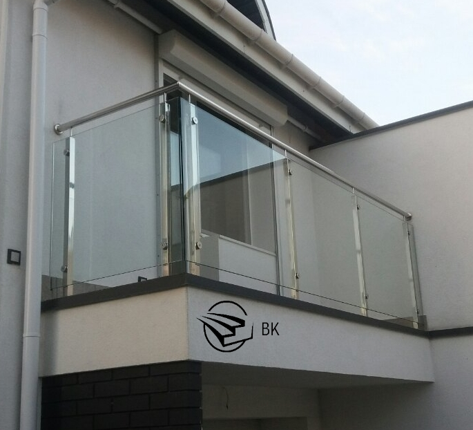 3. Балкон из стекла. Львов.