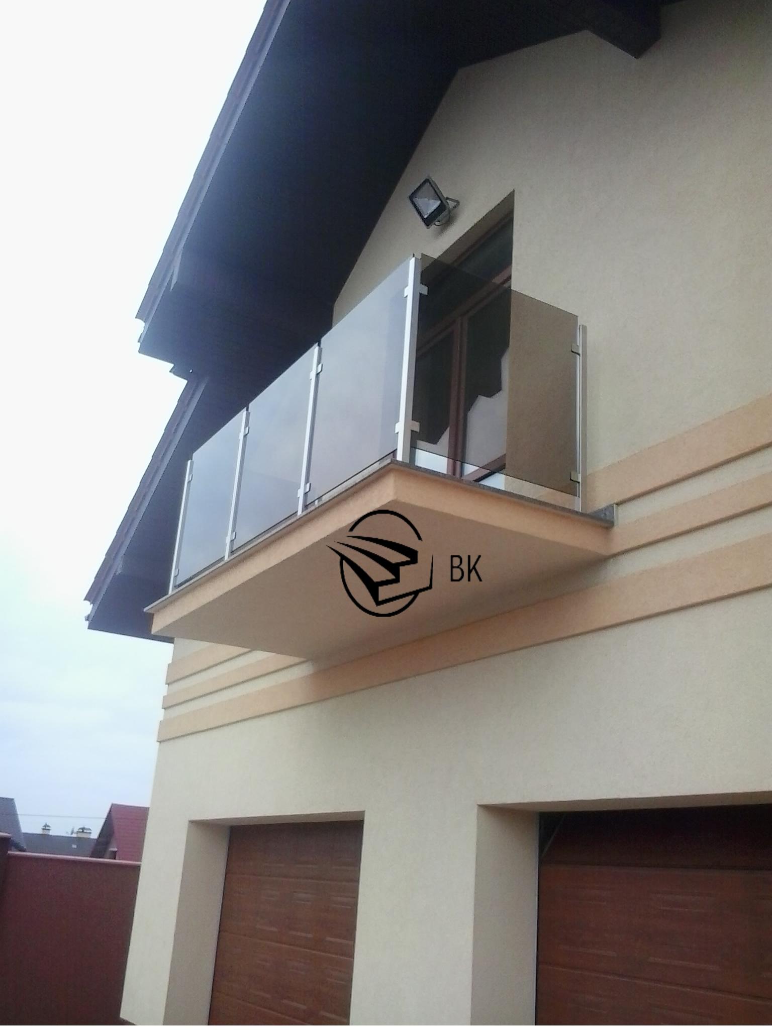 2. Стеклянные балконы.