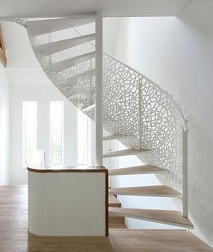 Пример винтовой консольной лестницы.