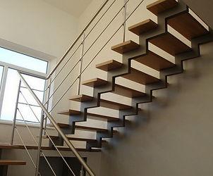 Лестница на двух косоурах. Лестницы Львов.