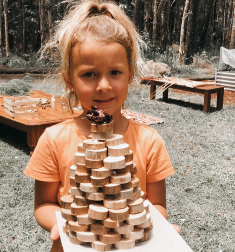 DECK THE HALLS WITH CRAFTS OF NATURE