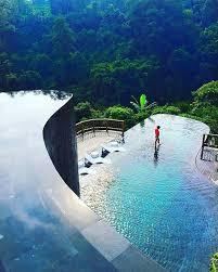 hanging gardens pool.jpg